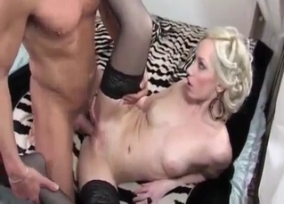 Brother licks a blonde's shaved pussy in the bedroom
