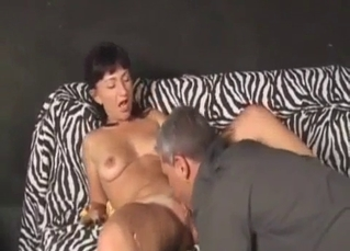 Dad pleases his big-boobed stepdaughter